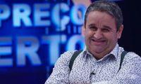 """Fernando Mendes arrasado por internauta: """"Queres é borlas... aqui não há chulice"""""""